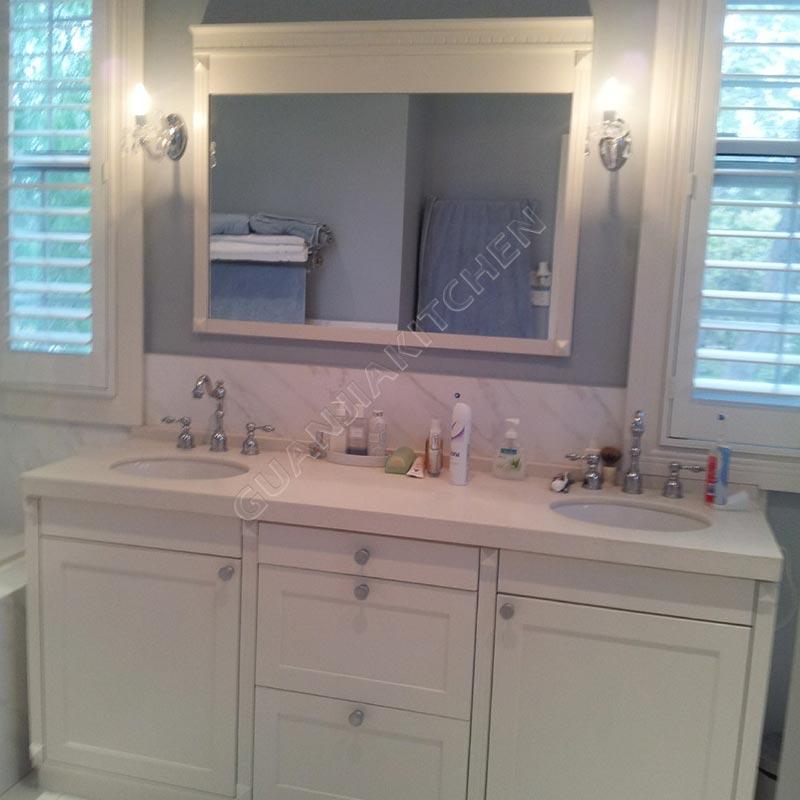 Laquer Bathroom Cabinets