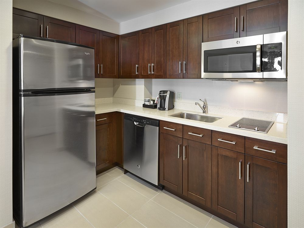 Homewood solid wood shaker kitchen cabinets